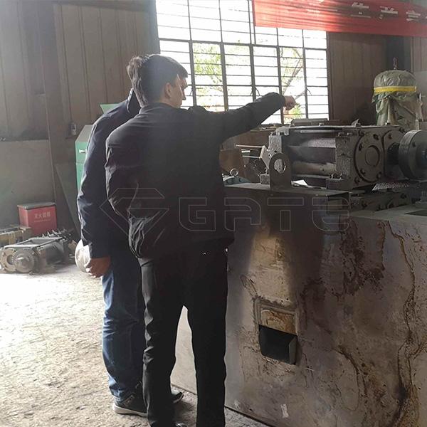 Malaysia Customer Order NPK Fertilizer Double Roller Granulator