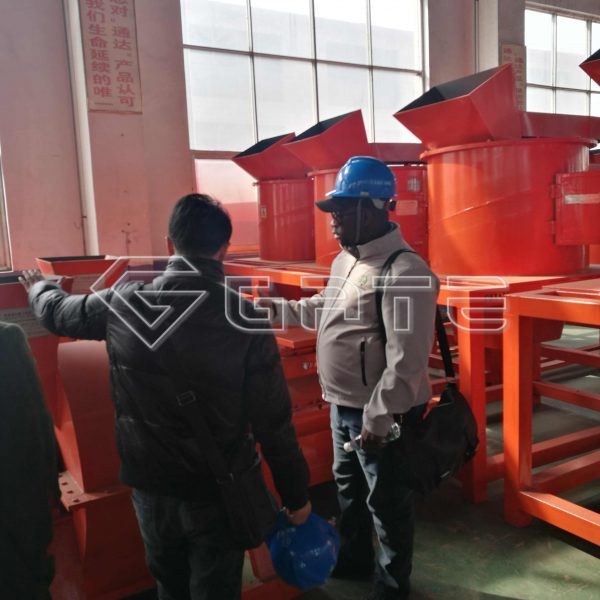 Welcome Canada clients visit us to buy organic fertilzer machine