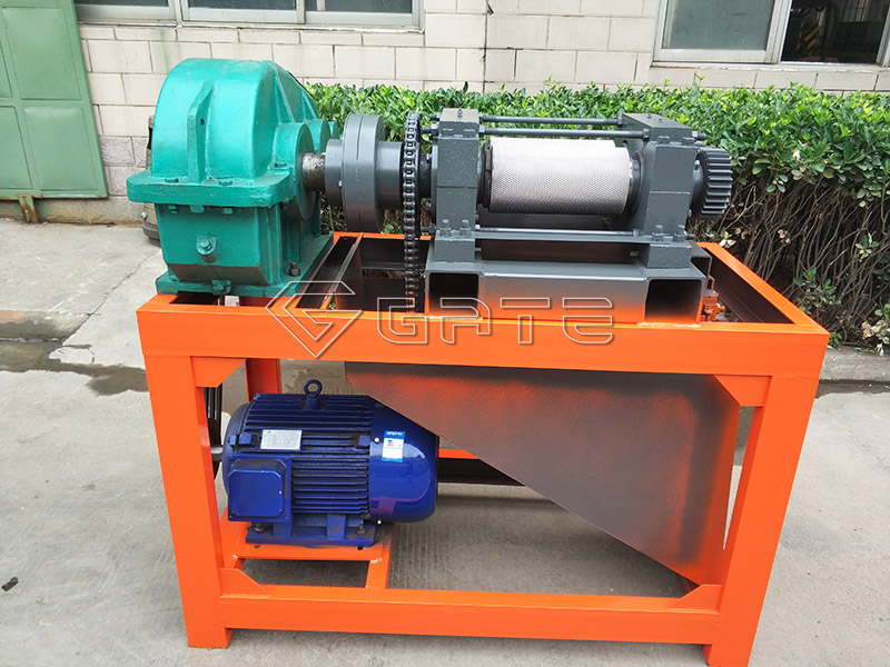 Double roller fertilizer press granulator