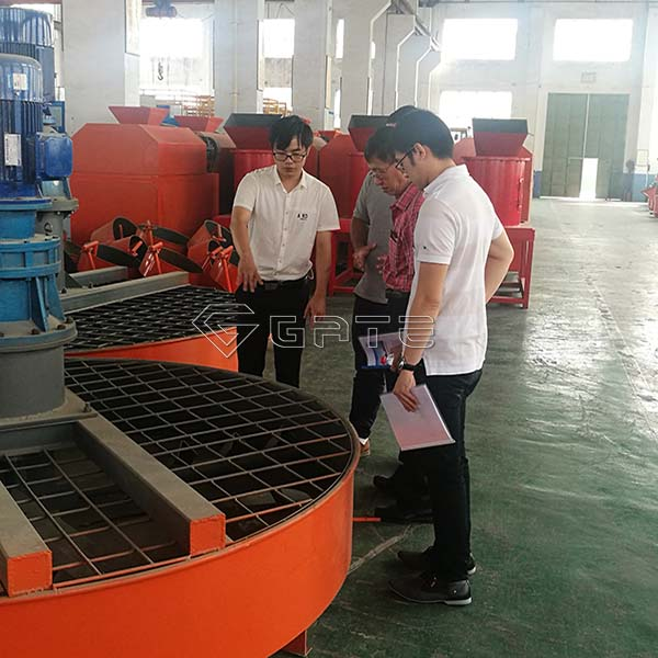 Malaysia Customer's Visiting for NPK Double Roller Fertilizer Plant Line Manfacturer
