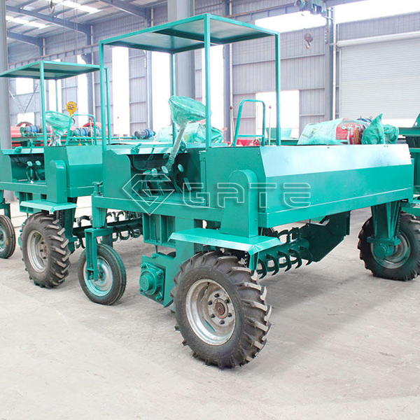 What are the advantages of the Gate fertilizer wheel composter?
